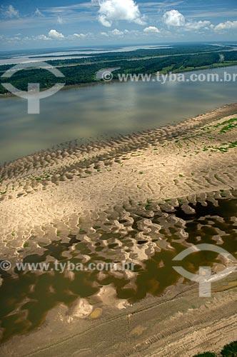 Assunto: Margem do rio Madeira, a sudoeste de Nova Olinda do Norte  / Local:  Amazonas (AM) - Brasil  / Data: 11/2007