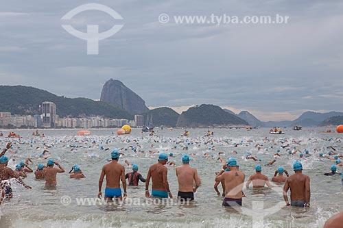Assunto: Largada da Travessia dos Fortes - o evento reuniu mais de 2.500 participantes que nadaram o percurso de 3.350 KM entre o Forte de Copacabana e o Forte do Leme  / Local: Rio de Janeiro - RJ - Brasil  / Data: 04/04/2010
