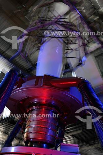 Assunto: Máquinas utilizadas na produção de embalagens -  Pincelli Indústria e Comércio de Embalagens LTDA  / Local:  Local Duque de Caxias - RJ - Brasil  / Data: 24/07/2008