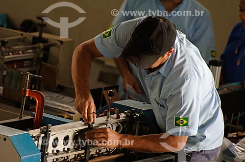 Assunto: Trabalhadores responsáveis pela produção de embalagens - Pincelli Indústria e Comércio de Embalagens LTDA  / Local:  Local Duque de Caxias - RJ - Brasil  / Data: 24/07/2008
