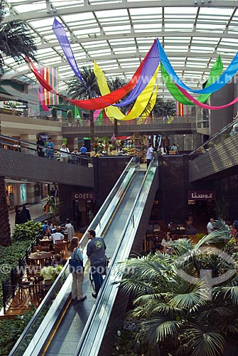 Assunto: Rampa rolante no Shopping Ikea  / Local:  Dubai - Emirados Árabes  / Data: Janeiro 2009