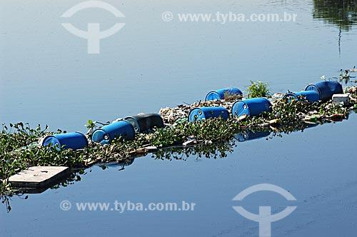Assunto: Poluição na Baía de Guanabara - Ecobarreira no Rio Meriti  / Local:  Zona Norte - Rio de Janeiro - RJ - Brasil  / Data: 05/2007