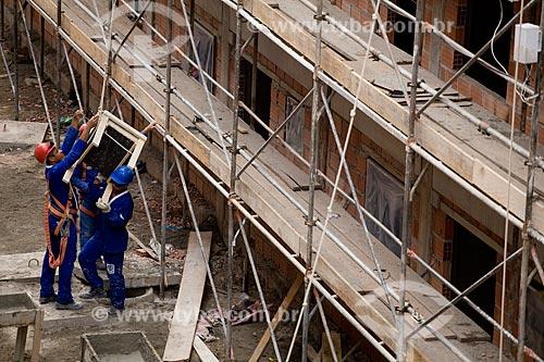 Assunto: Construção do Conjunto Habitacional do Programa de Aceleração do Crescimento - PAC Manguinhos - na Avenida Leopoldo Bulhões 540  / Local:  Rio de Janeiro - RJ - Brasil  / Data: 19/05/2010