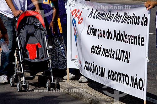 Assunto: Caminhada de incentivo à adoção e contra o aborto na Avenida Atlântica em Copacabana  / Local:  Rio de Janeiro - RJ - Brasil  / Data: 16/05/2010