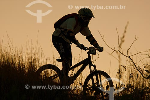 Assunto: Etapa do Campeonato Estadual de Downhill 2008  / Local:   Paty do Alferes - RJ - Brasil  / Data: 17/07/2008