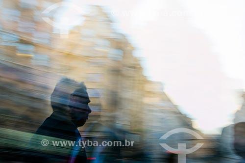 Assunto: Pessoas em movimento em centro urbano / Local: Buenos Aires - Argentina / Data: 11/2009