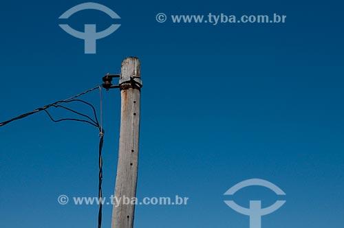 Assunto: Poste de energia elétrica com