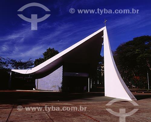 Assunto: Igreja Nossa Senhora de Fátima, também conhecida como a Igrejinha da 307 / 308 Sul -  Projeto de Oscar Niemeyer  / Local: Brasília - Distrito Federal - DF - Brasil  / Data: 2009