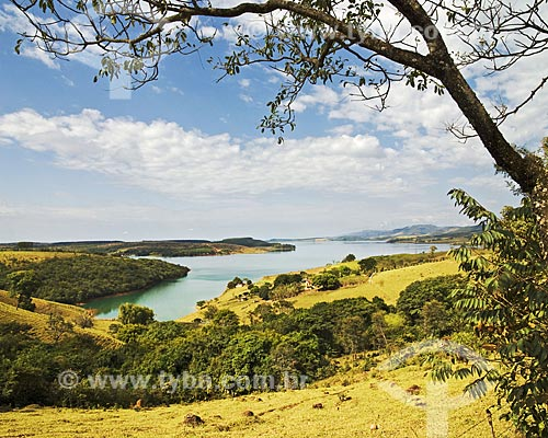 Assunto: Vista de Santo Hilário, um pequeno núcleo habitacional na margem da represa de Furnas  / Local:  Santo Hilário - Municipio de Pimenta - Minas Gerais - MG - Brasil  / Data: 07/2010
