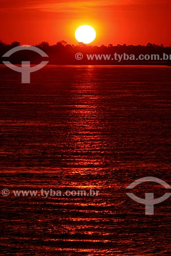 Assunto: Pôr do Sol no Rio Amazonas  / Local:  Amazonas - AM - Brasil  / Data: 06/2010