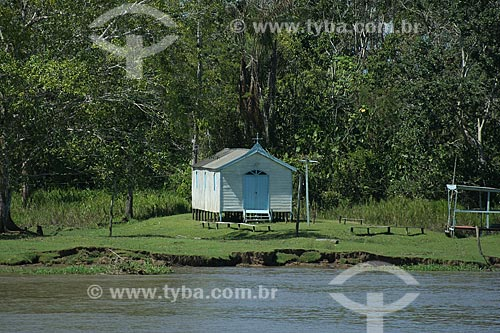Assunto: Capela da população ribeirinha na margem do Rio Amazonas  / Local:  Amazonas - AM - Brasil  / Data: 06/2010