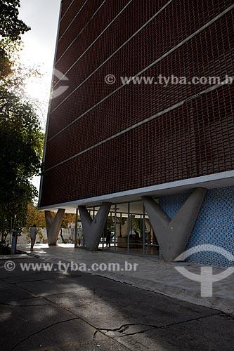 Assunto: Fachada do Hospital da Lagoa, projeto arquitetônico Oscar Niemeyer  / Local:  Lagoa - Rio de Janeiro (RJ)  / Data: 08/2010