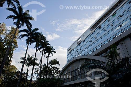 Assunto: Fachada do Hospital da Lagoa, projeto arquitetônico de Oscar Niemeyer e paisagístico de Burle Marx  / Local:  Lagoa - Rio de Janeiro (RJ)  / Data: 08/2010