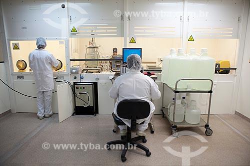 Assunto: Preparo da vacina HIB na Capela Química do Complexo Tecnológico de Vacinas da Fundação Oswaldo Cruz  / Local:  Rio de Janeiro - RJ - Brasil  / Data: 02/09/2010