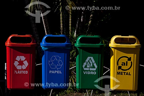 Assunto: Hospital de Bonsucesso, coleta de lixo seletiva   / Local:  Bonsucesso - Rio de Janeiro - RJ  / Data: 08/2010