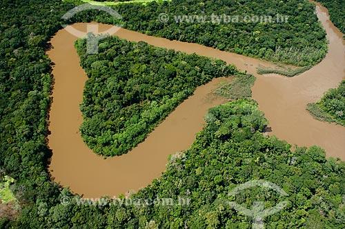 Vista aérea de um afluente do rio Mamoré, durante o processo de formação de um lago marginal  - Bolívia