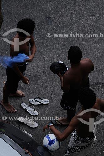 Assunto: Pessoas saindo da praia de Ipanema  / Local:  Rio de Janeiro - RJ - Brasil  / Data: 2009