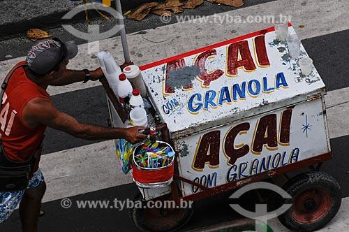 Assunto: Vendedor ambulante de açaí /  Local: Copacabana - Rio de Janeiro - RJ - Brasil / Data: 01/2009