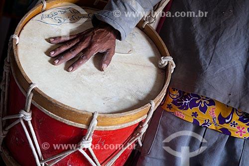 Assunto: Instrumento de percussão