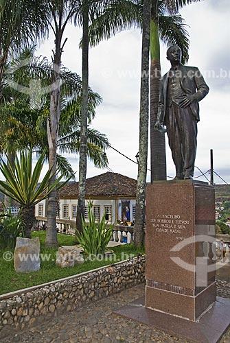 Assunto: Monumento ao ex-Presidente da República Juscelino Kubitschek, nascido em Diamantina  / Local:  Praça Juscelino Kubitschek - Diamantina - Minas Gerais - MG - Brasil  / Data: 12/2009