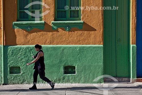 Assunto: Fachada de cortiço - Programa de Cortiços e Moradias Coletivas (Diagonal) - Rua João Teodoro  / Local:  Bairro Pari - São Paulo - SP  / Data: 08/10/2010