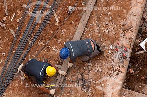 Assunto: Operários em canteiro de obras - Construção Civil  / Local:  Rua da Consolação - São Paulo  / Data: 07/10/2010