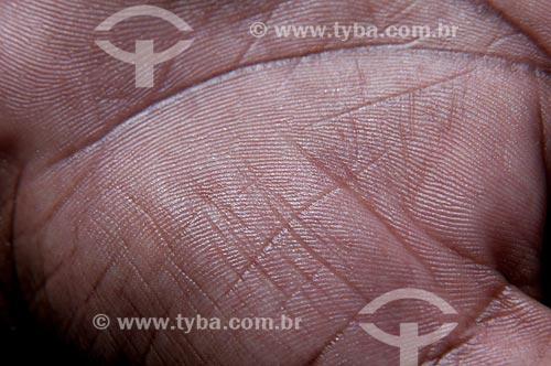 Assunto: Detalhe de mãos - impressão digital  / Local:  Estúdio  / Data: 10/2010