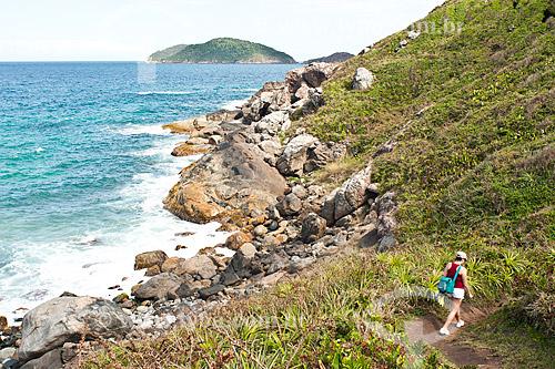 Assunto: Trilha no costão que separa a Praia do Santinho da Praia do Moçambique / Local: Florianópolis - Santa Catarina (SC) - Brasil / Data: 14/11/2010