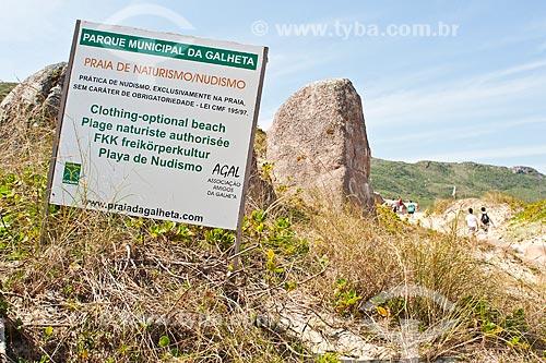 Assunto: Placa na entrada do Parque Municipal da Galheta, na Praia da Galheta / Local: Florianópolis - Santa Catarina (SC) - Brasil / Data: 28/11/2010