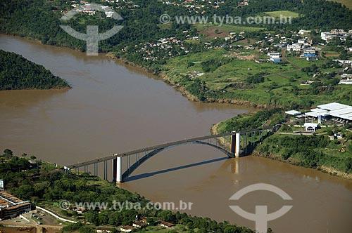 Assunto: Vista aérea da Ponte da Amizade - liga Foz do Iguaçu à Ciudad del Este  / Local:  Foz do Iguaçu - Paraná - PR  / Data: 11/2009