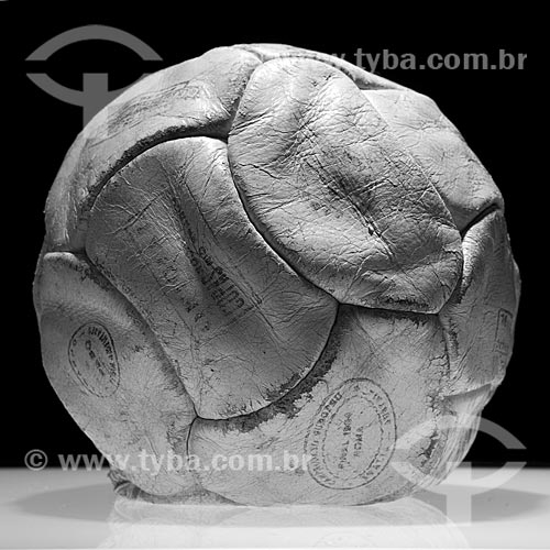 Assunto: Bola do milésimo gol do jogador Pelé exposta no Estádio Jornalista Mário Filho - Maracanã  / Local:  Rio de Janeiro - RJ - Brazil  / Data: 06/2010