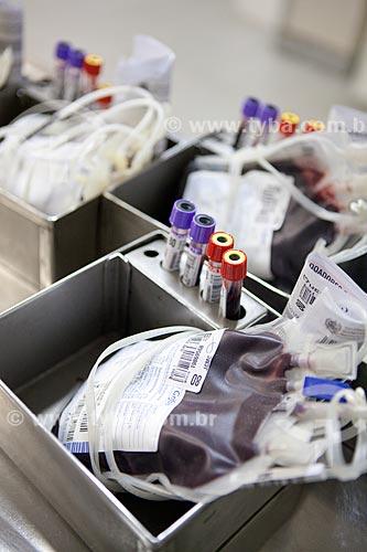 Assunto: Bolsas e tubos de sangue. Amostras prontas para serem encaminhadas para o laboratório  de sorologia -  HemoRio  / Local:  Rua Frei Caneca - Rio de Janeiro - RJ  / Data: 29/09/2010