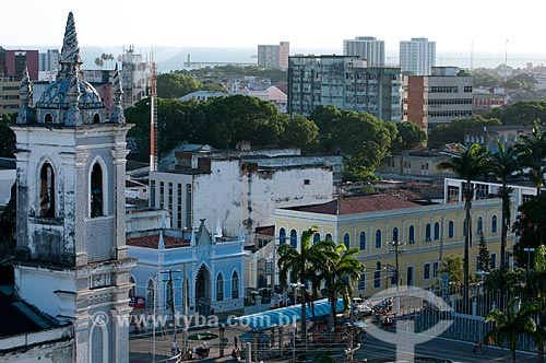 Assunto: Vista de Maceió com  Igreja dos Martírios em primeiro plano à esquerda  / Local:  Maceió - Alagoas - AL  / Data: 2011
