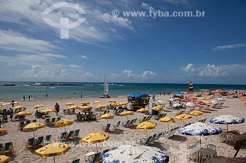 Assunto: Barracas na Praia do Francês  / Local:   litoral sul de Maceió - Alagoas - AL  / Data: 2011