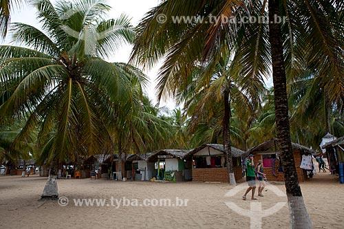 Assunto: Choupanas para pequeno comércio na Praia do Gunga  / Local:  litoral sul de Maceió - Alagoas  / Data: 2011