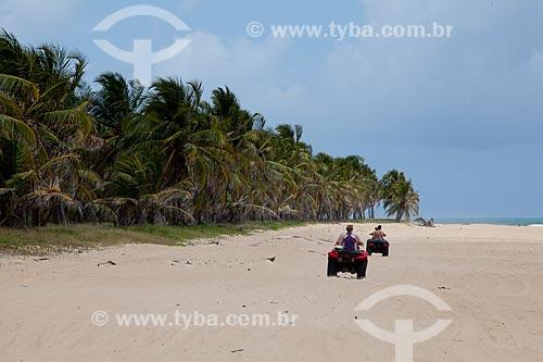 Assunto: Quadriciclos para turismo na areia na Praia do Gunga   / Local:  litoral sul de Maceió - Alagoas  / Data: 2011
