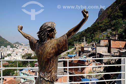 Assunto: Espaço Michael Jackson , laje na favela Santa Marta onde foi gravado um clipe do cantor , hoje o espaço é dedicado à recreação dos moradores da favela  / Local:  Rio de Janeiro - RJ - Brasil  / Data: 2011