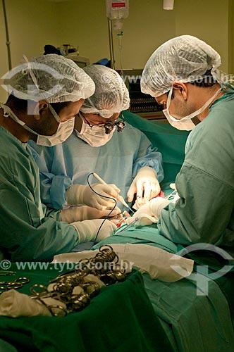 Assunto: Hospital Federal de Ipanema, exploração da vias biliares no centro cirurgico com bisturi eletronico - Cirurgião Geral. / Local: Hospital Federal de Ipanema - Rio de Janeiro - RJ / Data: 10/2010