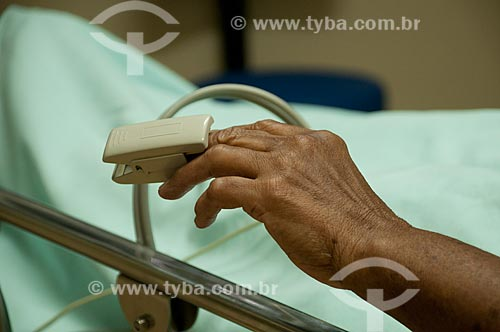 Assunto: Hospital Federal do Andaraí -Paciente monitorado com sensor digital.  / Local: Andaraí - Rio de Janeiro- Brasil / Data: 10-2010