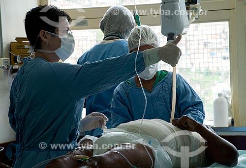 Assunto: Hospital Federal do Andaraí - Centro de tratamento de Queimados - paciente recebe curativos após balneoterapia / Local:  Andaraí - Rio de Janeiro- Brasil / Data: 10/2010
