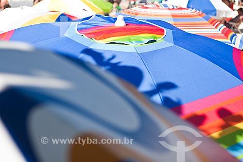 Assunto: Guarda sol na Praia de Bombinhas / Local: Bombinhas - Santa Catarina (SC) - Brasil / Data:
