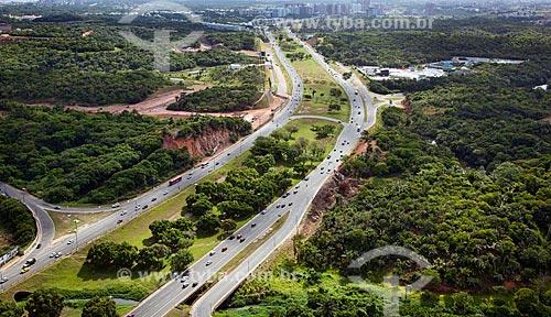Assunto: Vista aérea da Avenida Paralela (Avenida Luiz Vianna Filho)  / Local:  Salvador - Bahia - BA  / Data: 01/2011