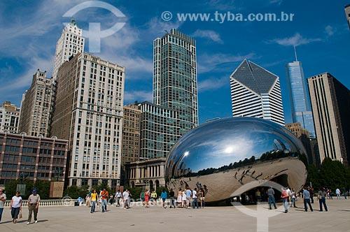 Assunto: Vista geral da cidade de Chicago com a escultura Cloud Gate  / Local:  Chicago - Estados Unidos da América - EUA  / Data: 09/2009