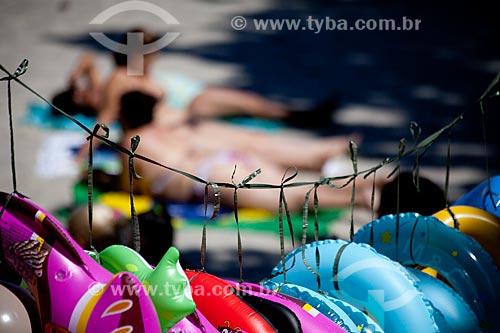 Bóias na praia da Urca  - Rio de Janeiro - Rio de Janeiro - Brasil