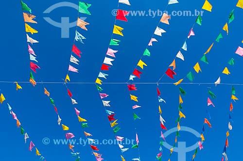 Assunto: Bandeiras coloridas / Local: Pirapora  -  Minas Gerais  -  MG  -  Brasil / Data: 05/2006
