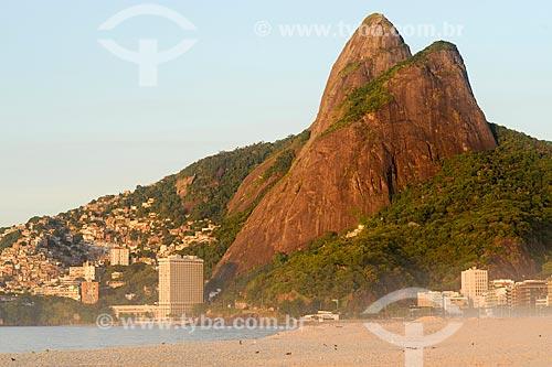 Assunto: Praia do Leblon e Morro Dois Irmãos / Local: Rio de Janeiro (RJ) - Brasil / Data: 02/2011