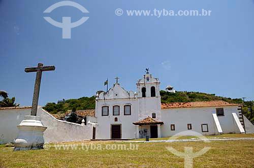 Assunto: Convento Nossa Senhora dos Anjos com Cruzeiro de Santo Antônio em primeiro plano  / Local: Cabo Frio - Rio de Janeiro (RJ) - Brasil  / Data: 12/2010