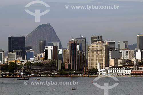 Assunto: Vista do centro da cidade ao fundo Pão de Açúcar / Local: Rio de Janeiro (RJ) - Brasil / Data: 04/2011
