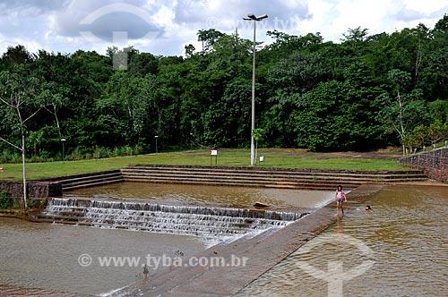 Assunto: Crianças tomando banho nas piscinas naturais do Parque Cesamar  / Local: Palmas - Tocantins (TO) - Brasil / Data: 02/2011