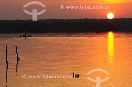Assunto: Nascer do sol na APA de Guapimirim ,  na Baía de Guanabara  / Local: Magé  -  Rio de Janeiro  -  RJ  -  Brasil  / Data: